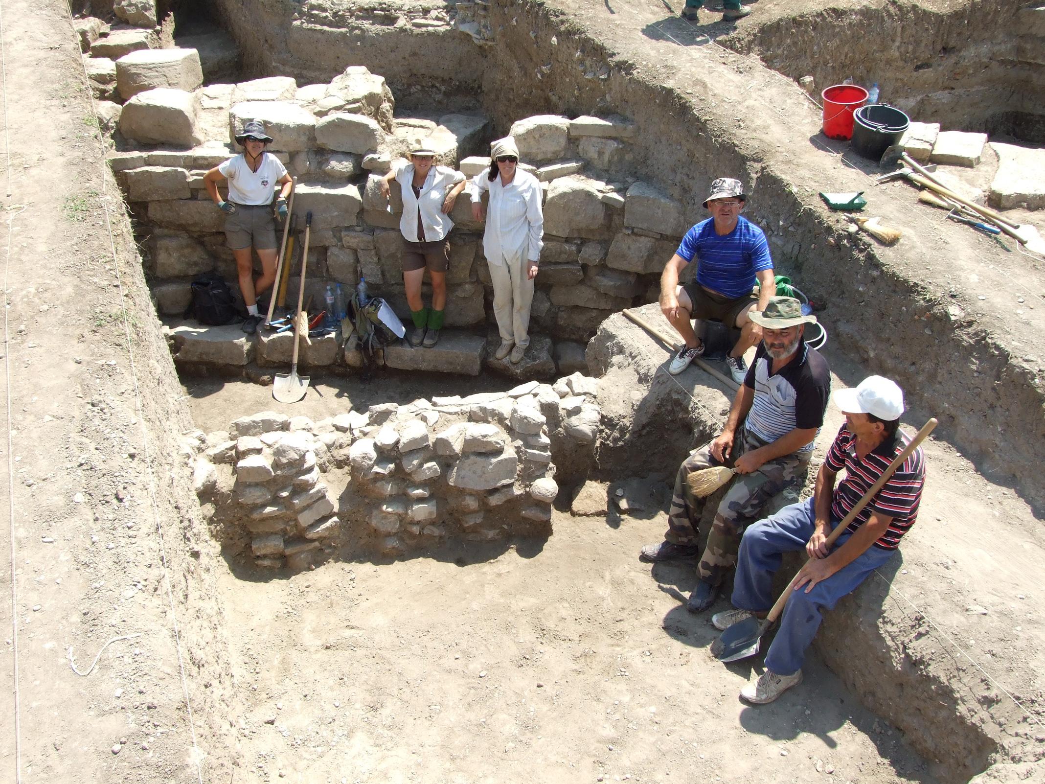 http://www.tfahr.org/images/2010FAlb032.jpg